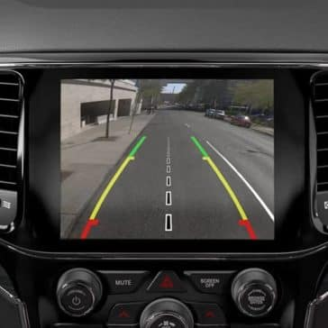 2019-Jeep-Grand-Cherokee-rearview-camera