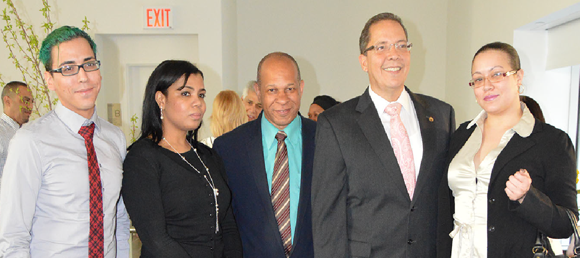 Fundación para Healthy Hispanic Families, Inc. seleccionada como ganador en septiembre por Corazones de Car Credit