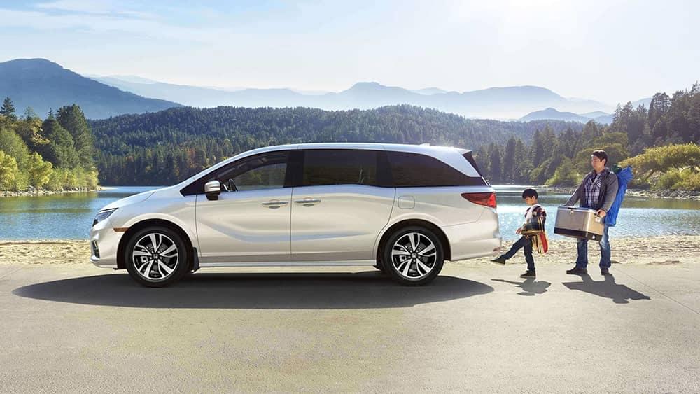 2019 Honda Odyssey Side