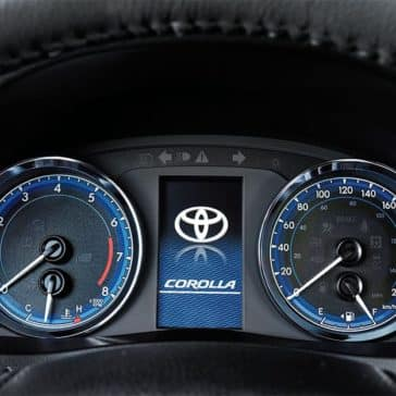 toyota-2019-corolla-interior-multi-information-display