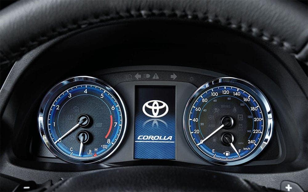 toyota-2019-corolla-interior-multi-information-display