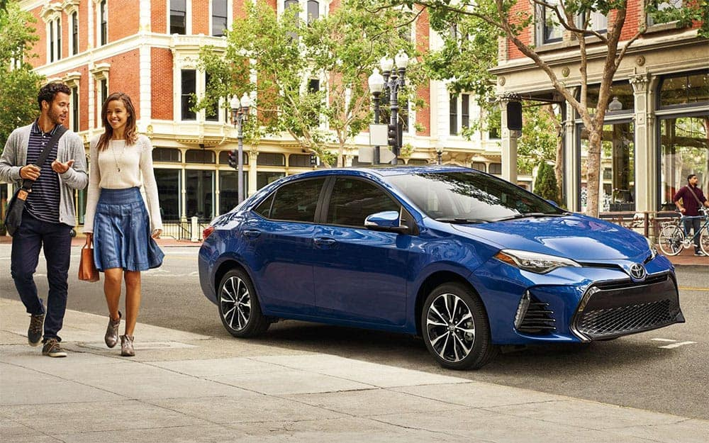 toyota-2019-corolla-se-exterior-blue-crush-metallic-side