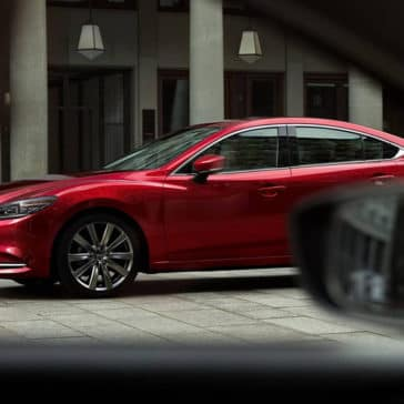 2018-Mazda6-parked-on-a-city-street