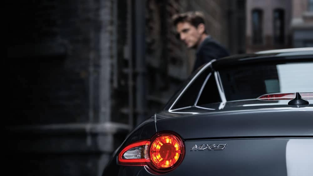 2019-mazda-mx-5-miata-rf-backlight