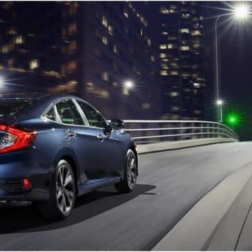 Honda_Civic_Driving_At_Night