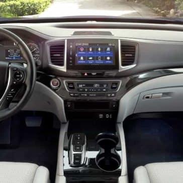 Honda_Ridgeline_Interior_Dashboard