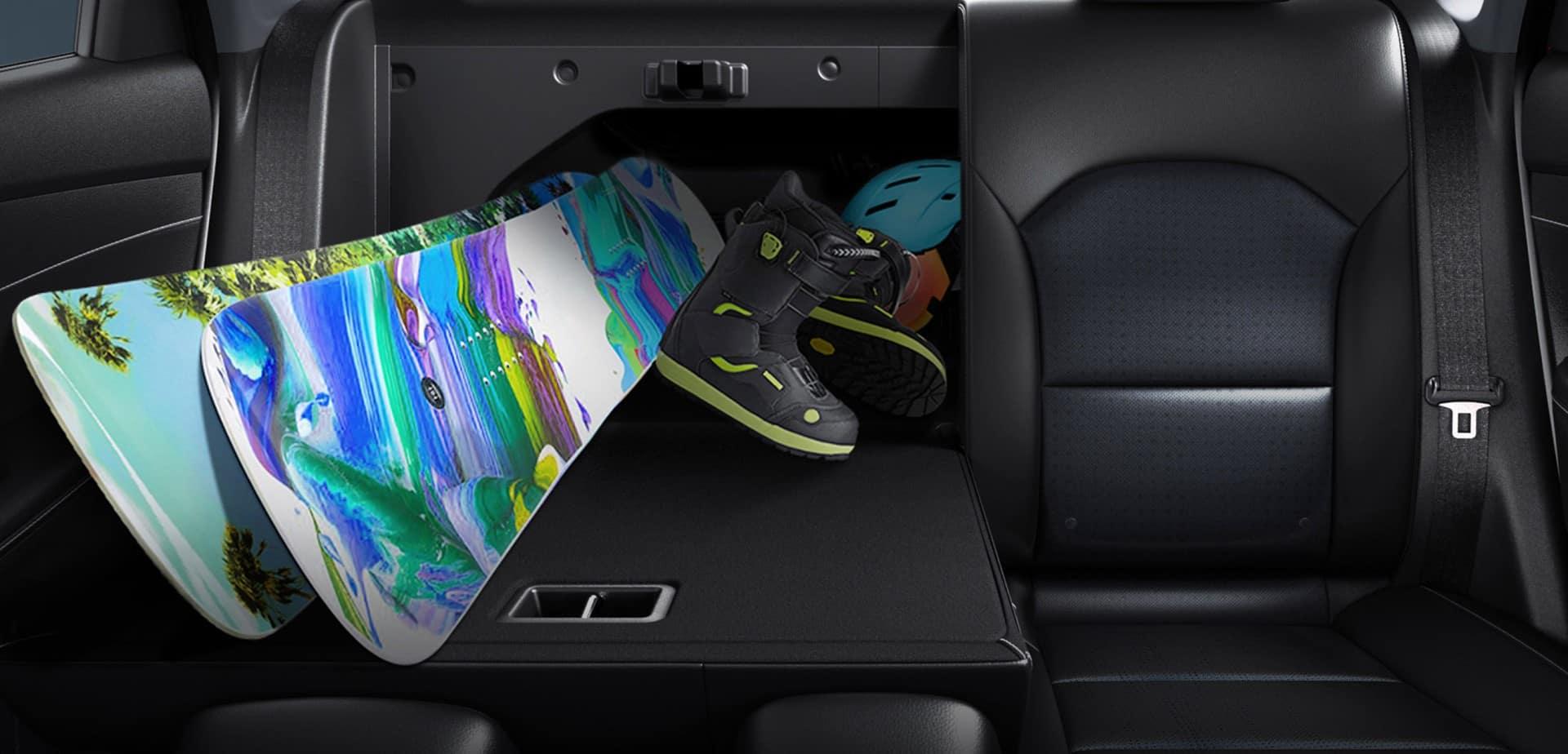 Kia_Forte_Rear_Seats_Folded