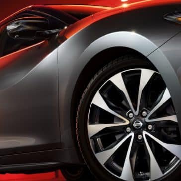 Nissan_Maxima_View_Of_Wheels