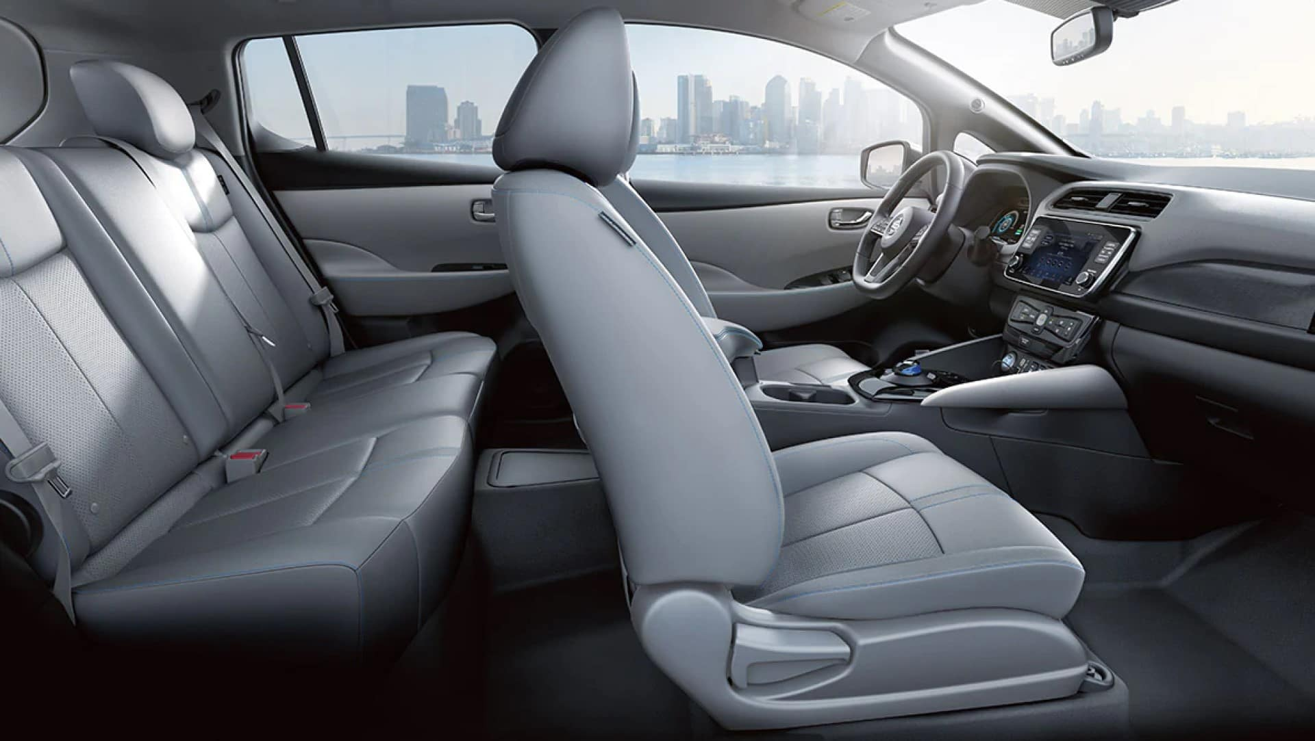Nissan_LEAF_Cabin_Space