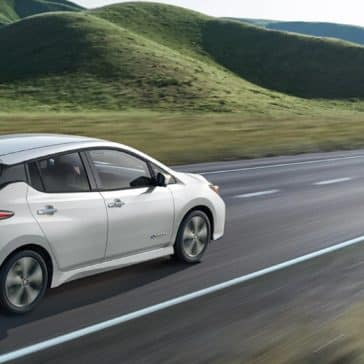 Nissan_LEAF_Driving_Country_Road