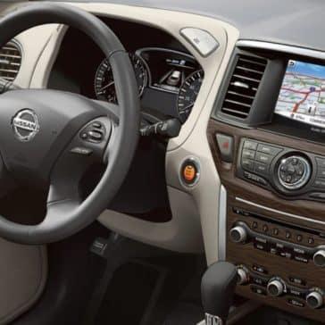 Nissan_Pathfinder_Interior_Dashboard