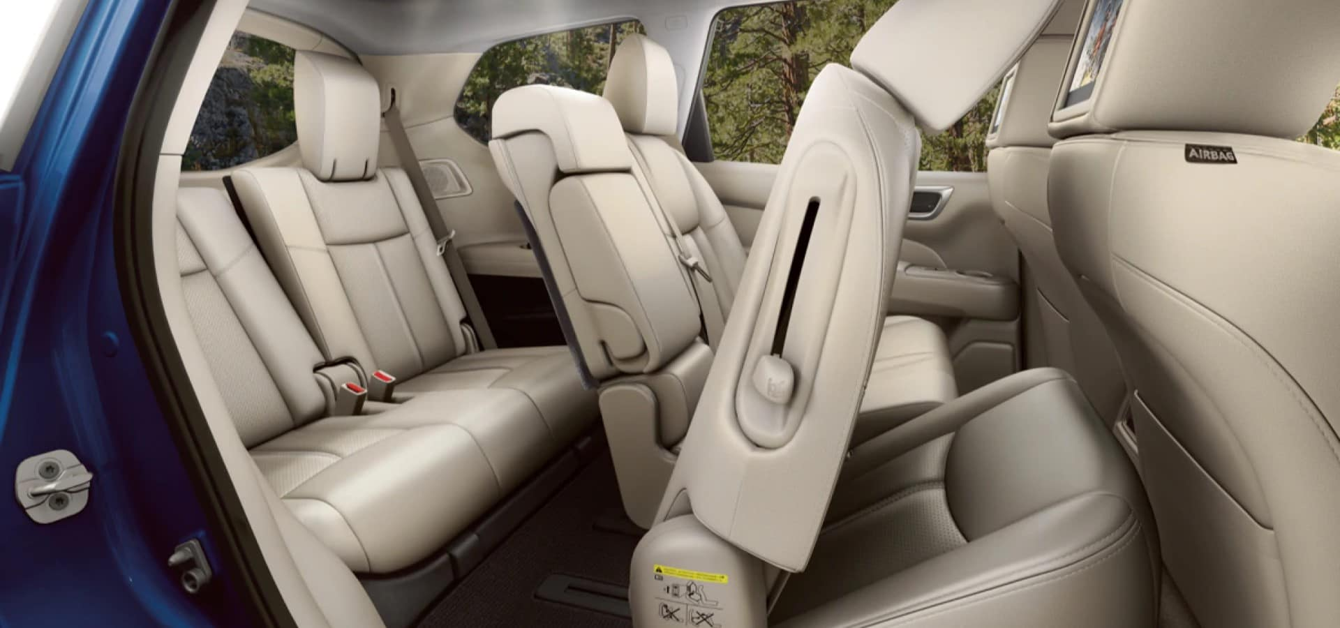 Nissan_Pathfinder_Interior_Rear_Seats