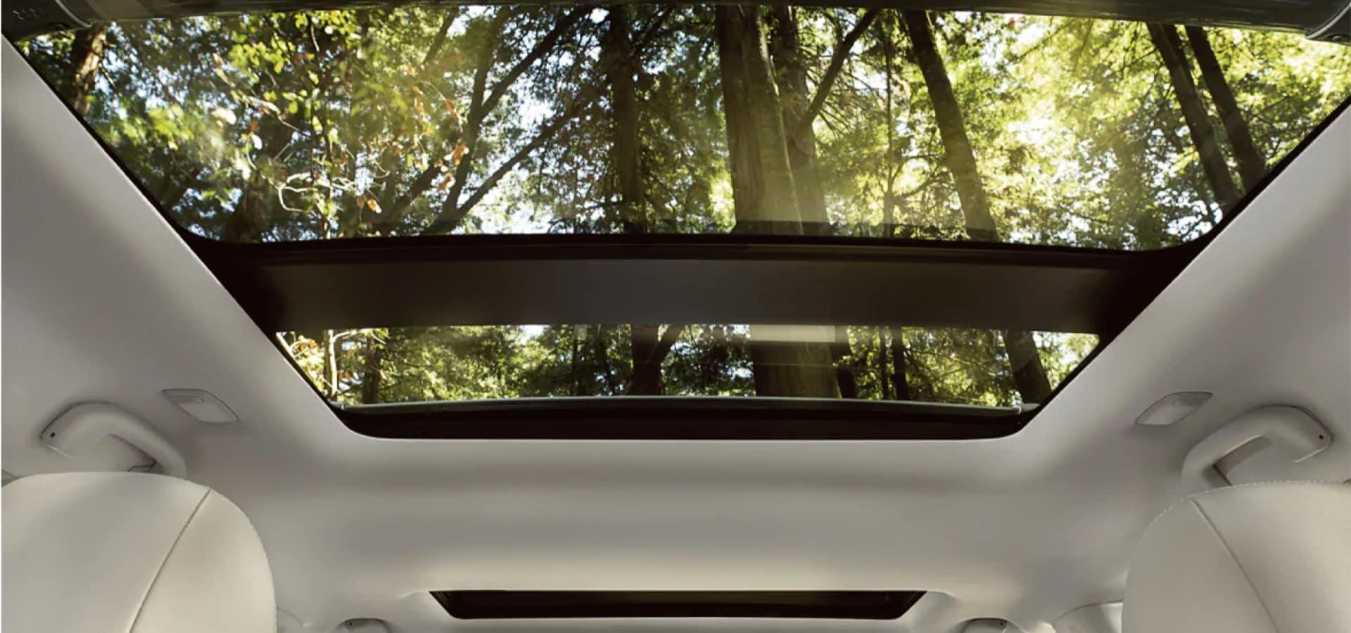 Nissan_Pathfinder_Interior_Sunroof