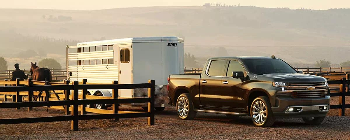 2019 Chevrolet Silverado towing horse trailer