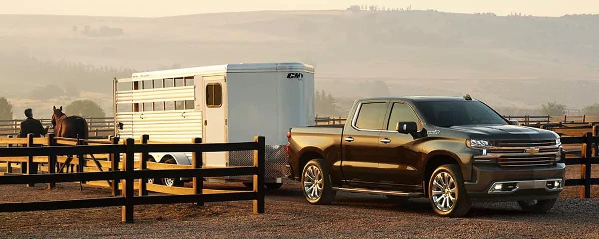 2019 Chevrolet Silverado towing horse trailer
