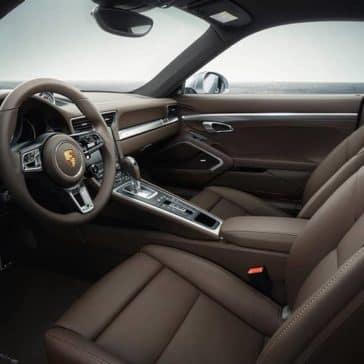 2019-Porsche-911-Turbo-interior
