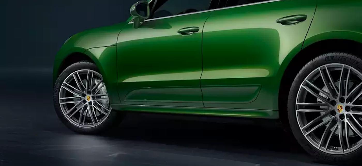 2020 porsche macan green exterior