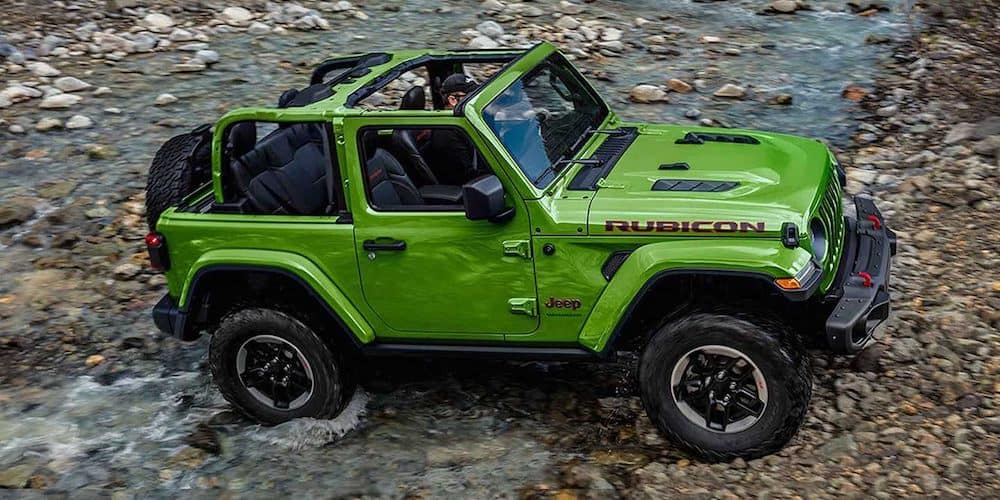 2019 wrangler rubicon driving across river