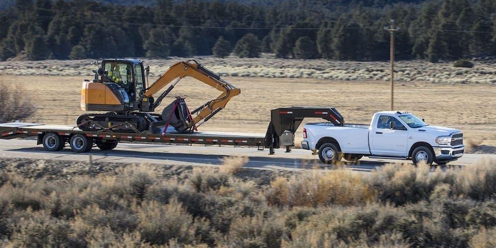 2019 ram 3500 towing digger
