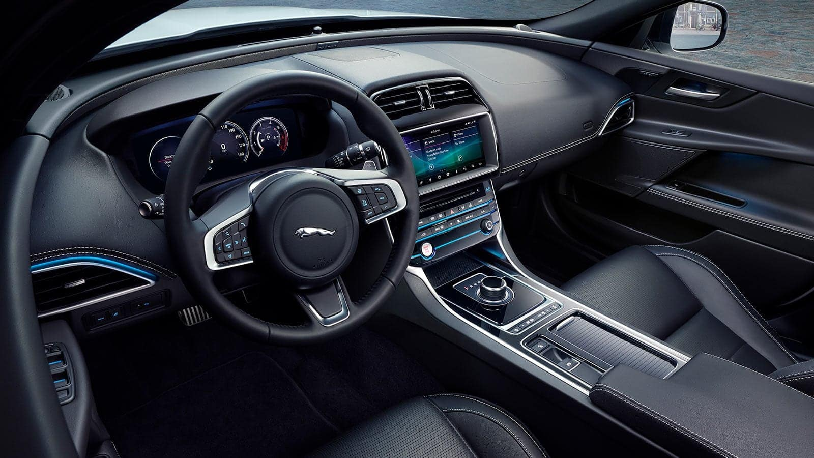2019 Jaguar XE interior technology