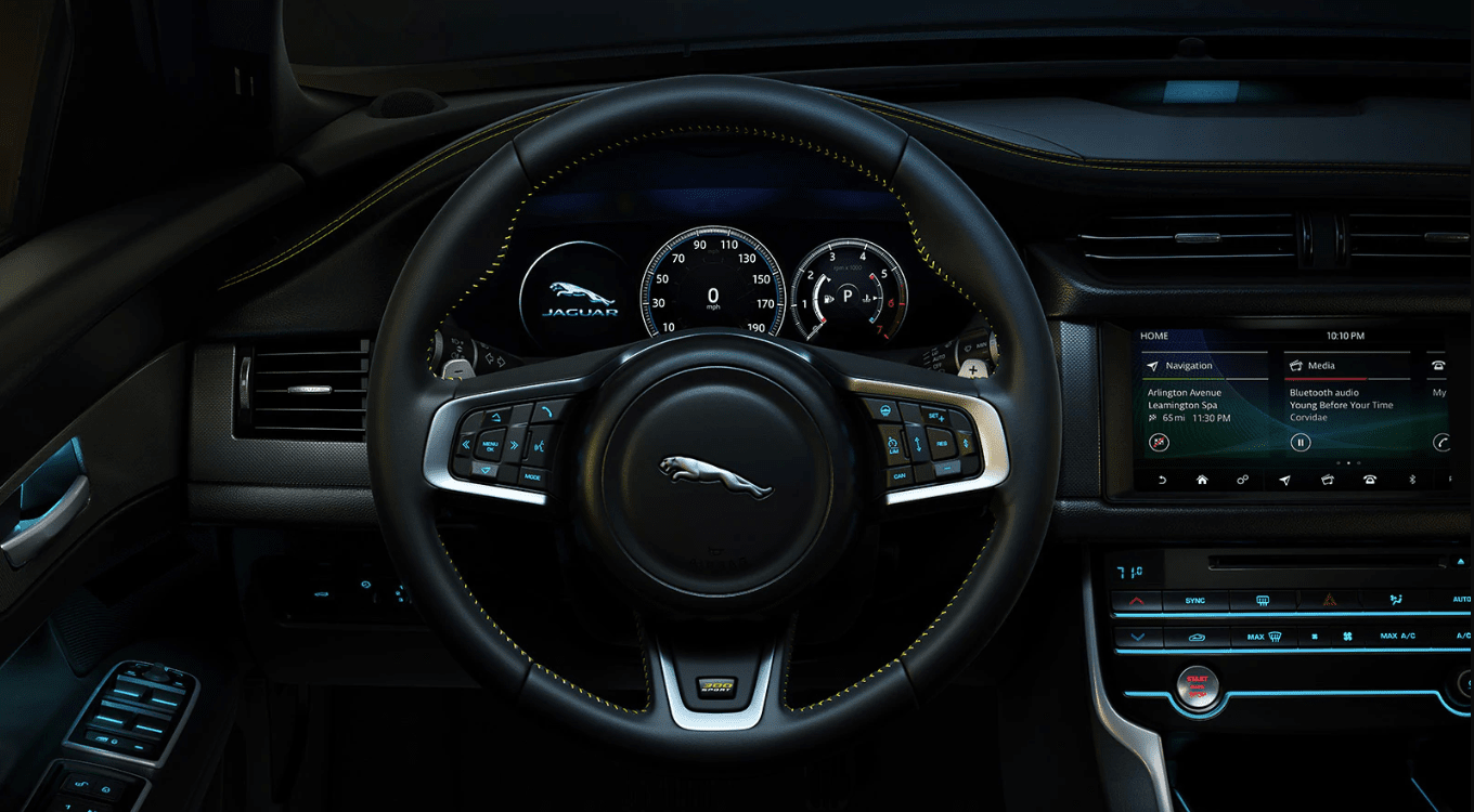 2019 Jaguar XF interior dashboard
