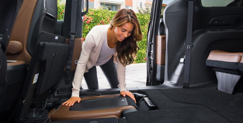 2019 Chrysler Pacifica interior stowaway seating