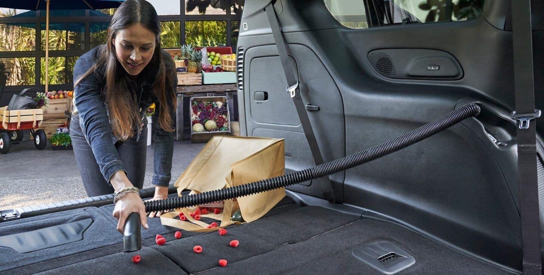 2019 Chrysler Pacifica interior vacuum feature