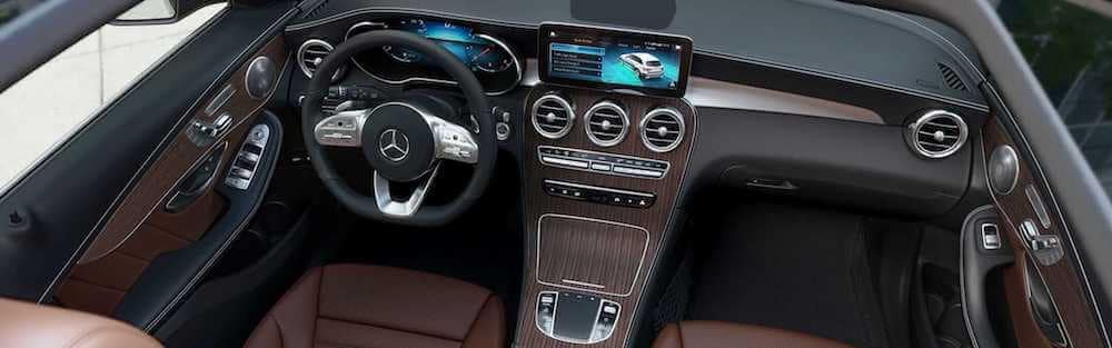 2019 Mercedes-Benz GLC front row seating