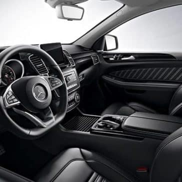 2019-Mercedes-Benz-GLE-front-seating