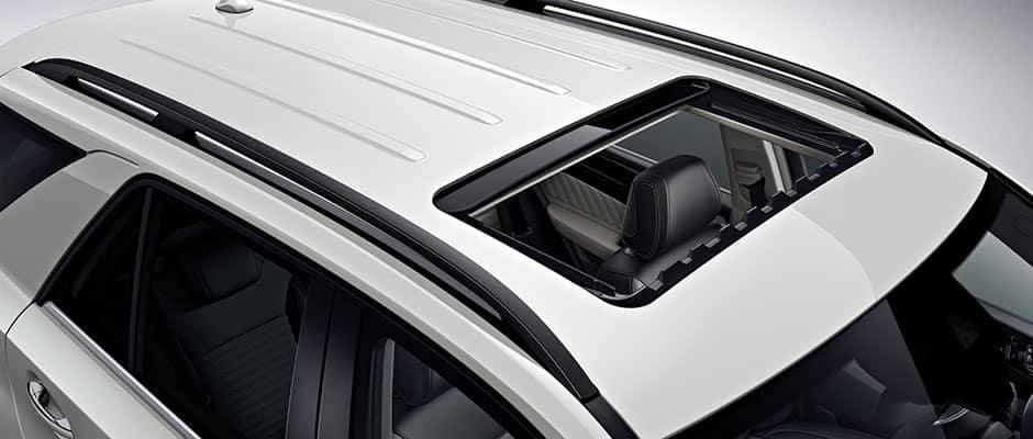 2019-Mercedes-Benz-GLE-sunroof