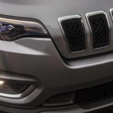 2019 Jeep Cherokee headlight detail
