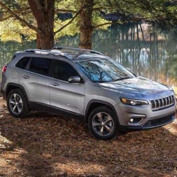 2019 Jeep Cherokee limited river scene