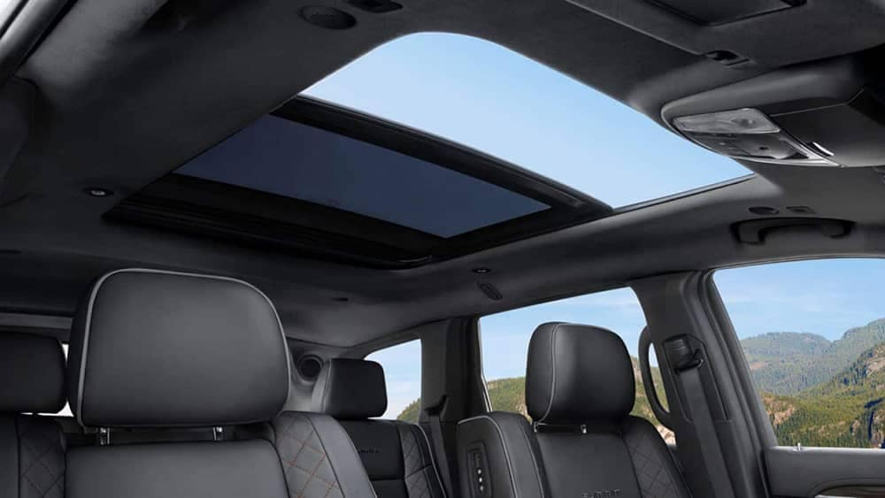 2019 Jeep Grand Cherokee sun roof