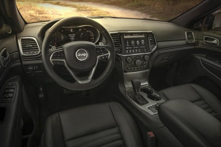 Amityville New York - 2019 Jeep Grand Cherokee's Interior
