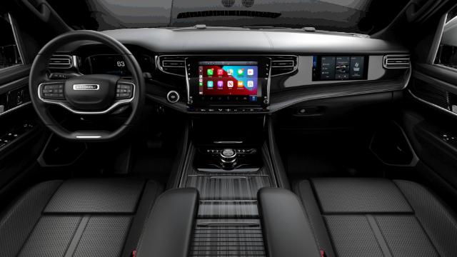 2022 Jeep Wagoneer Series III Interior