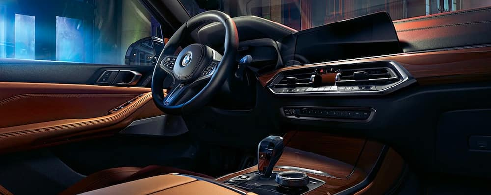 2019 BMW X5 dashboard steering wheel and front seat