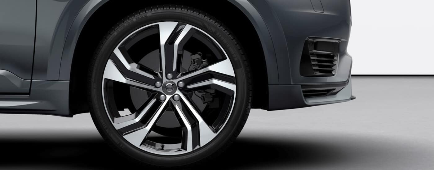 2020 Volvo XC90 Front Right Tire