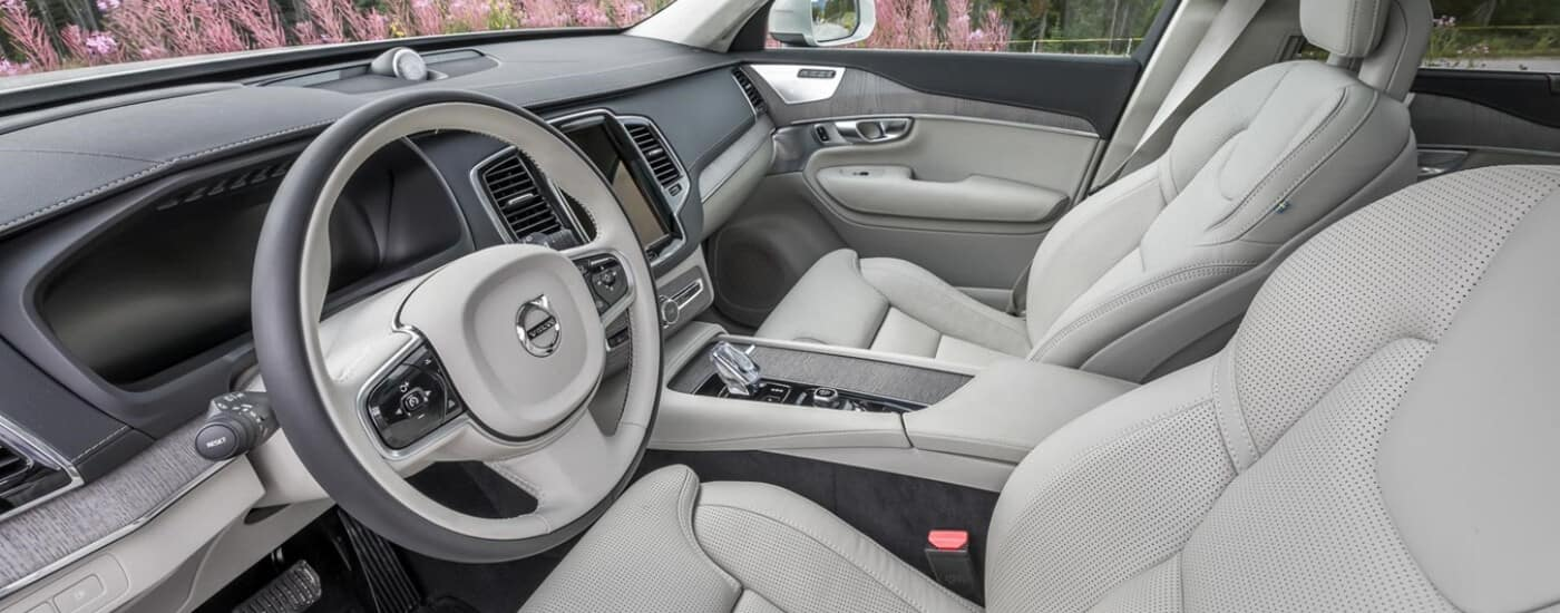 Front seats of 2020 Volvo XC90