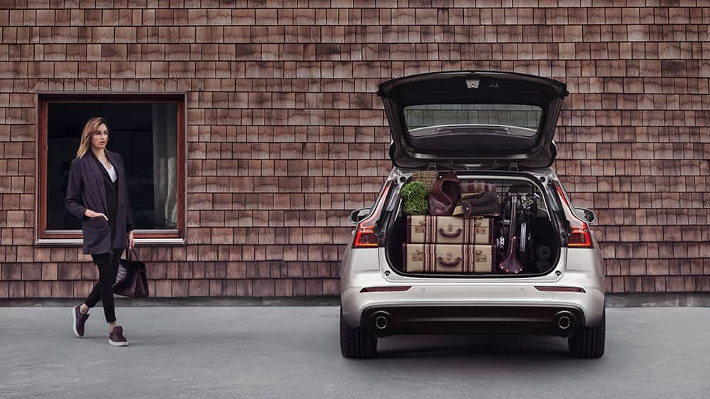 2020 Volvo V60 Open Trunk