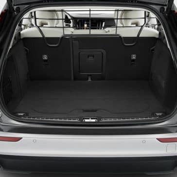 2020 Volvo V60 Trunk Space