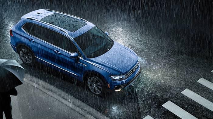 Volkswagen Tiguan Driving in the Rain