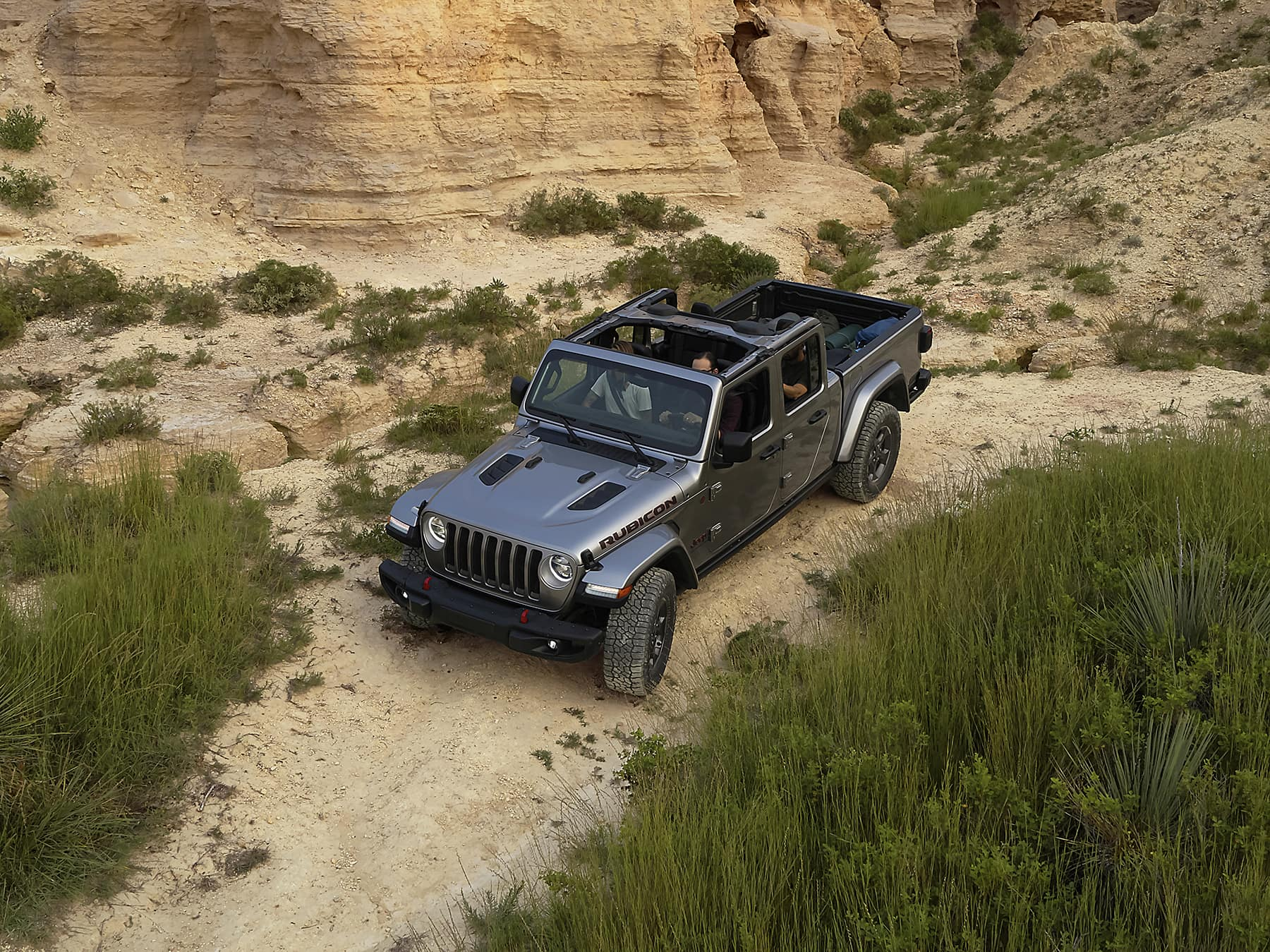 2020 Jeep Gladiator Rubicon going down hill