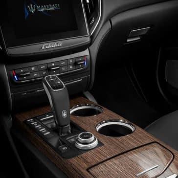 2019 Maserati Ghibli controls