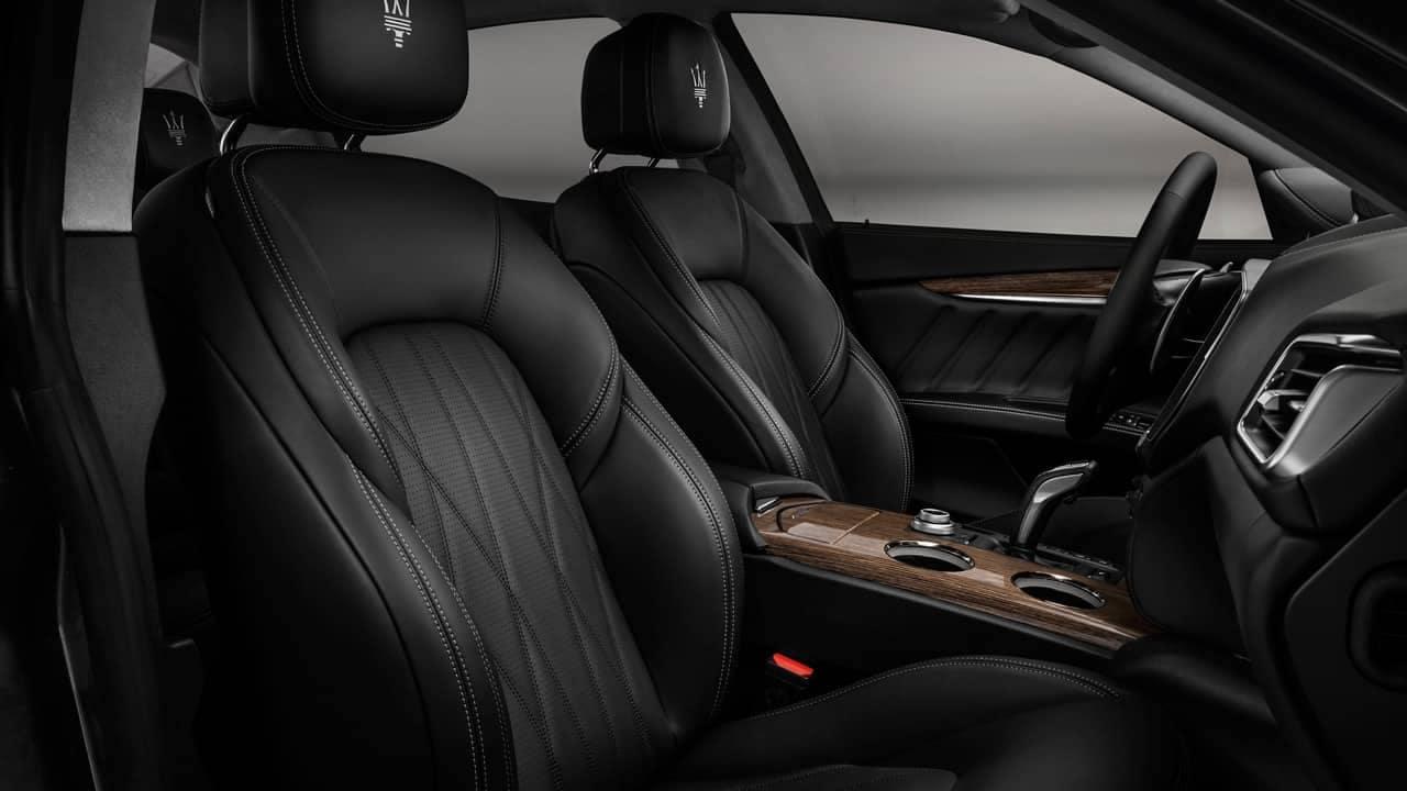 2019 Maserati Ghibli front interior