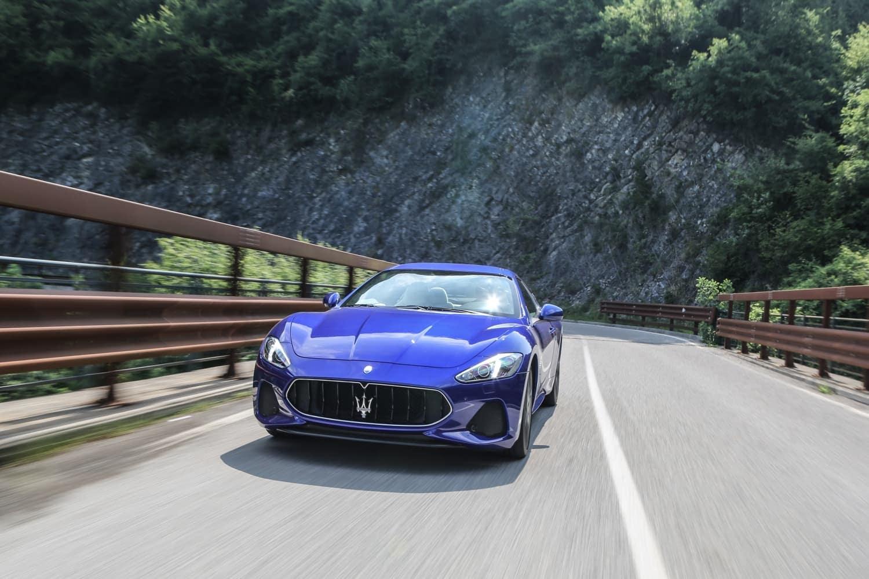 2019 Maserati GranTurismo in blue